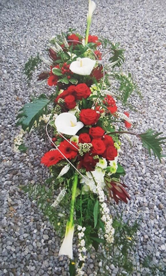 Rendez Hommage en livrant des Fleurs à la Cérémonie